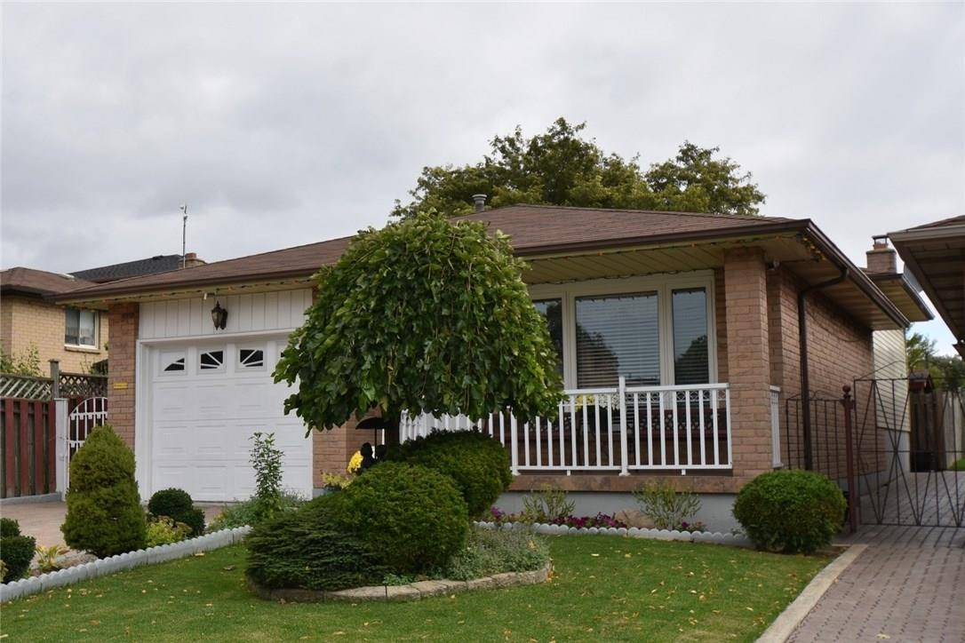 House for sale at 11 Rockingham Dr Hamilton Ontario - MLS: H4061638
