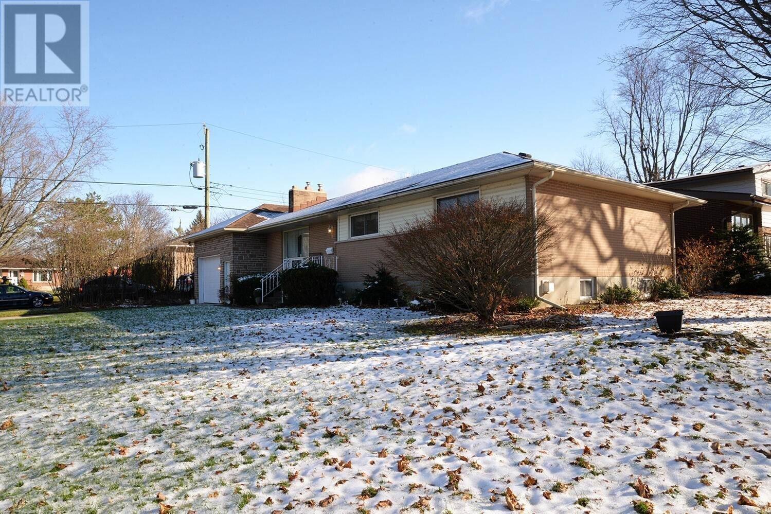 House for sale at 11 Ross St Kingston Ontario - MLS: K20006779