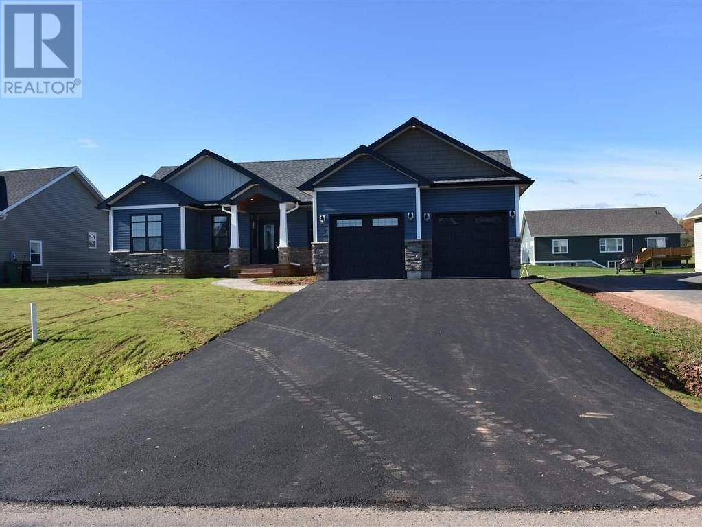 House for sale at 11 Skyewater Dr Cornwall Prince Edward Island - MLS: 202000991