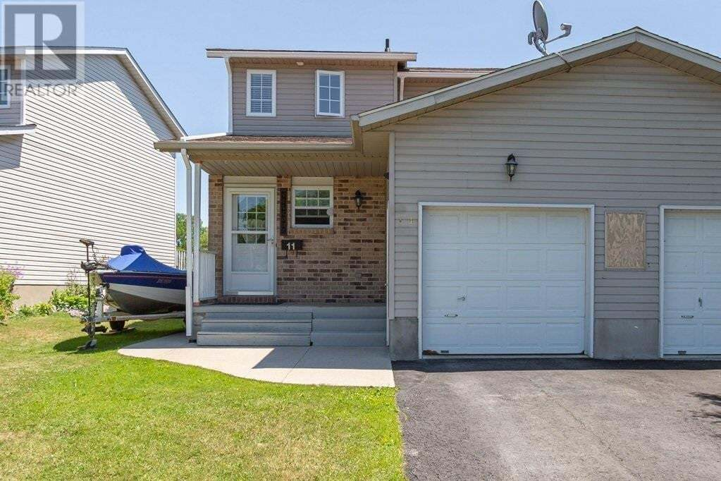 Townhouse for sale at 11 Speers Blvd Amherstview Ontario - MLS: K20003565