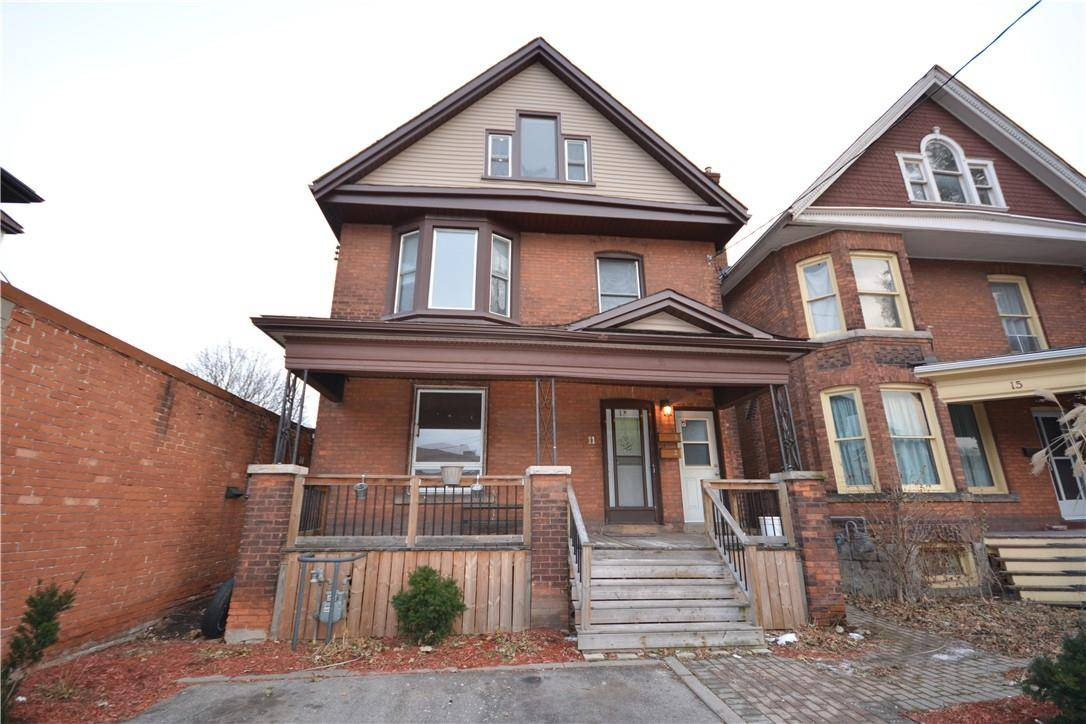 Townhouse for sale at 11 St. Clair Ave Hamilton Ontario - MLS: H4069190