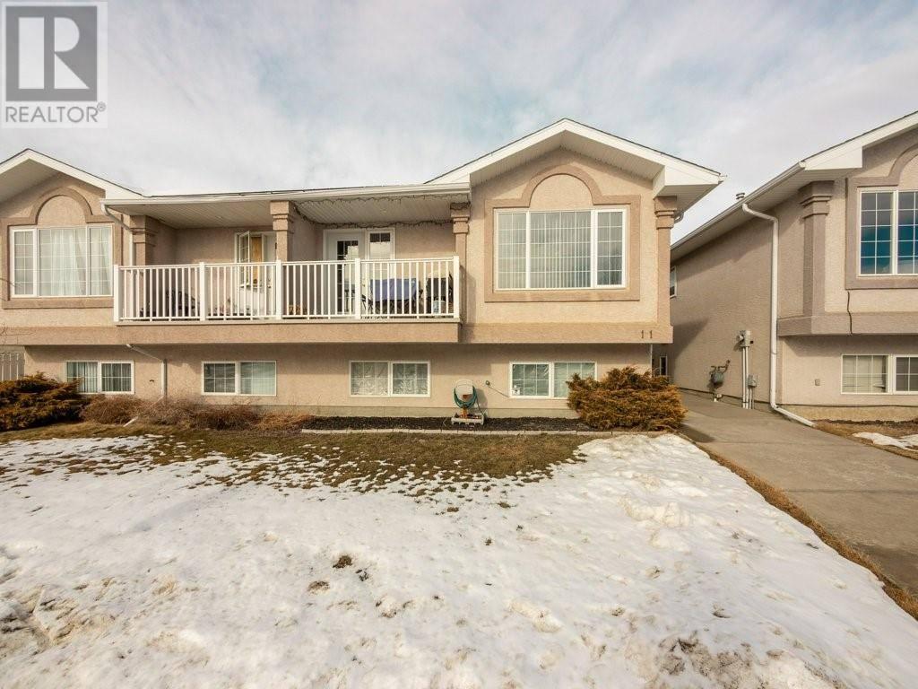 Townhouse for sale at 11 St James Pl N Lethbridge Alberta - MLS: ld0188997