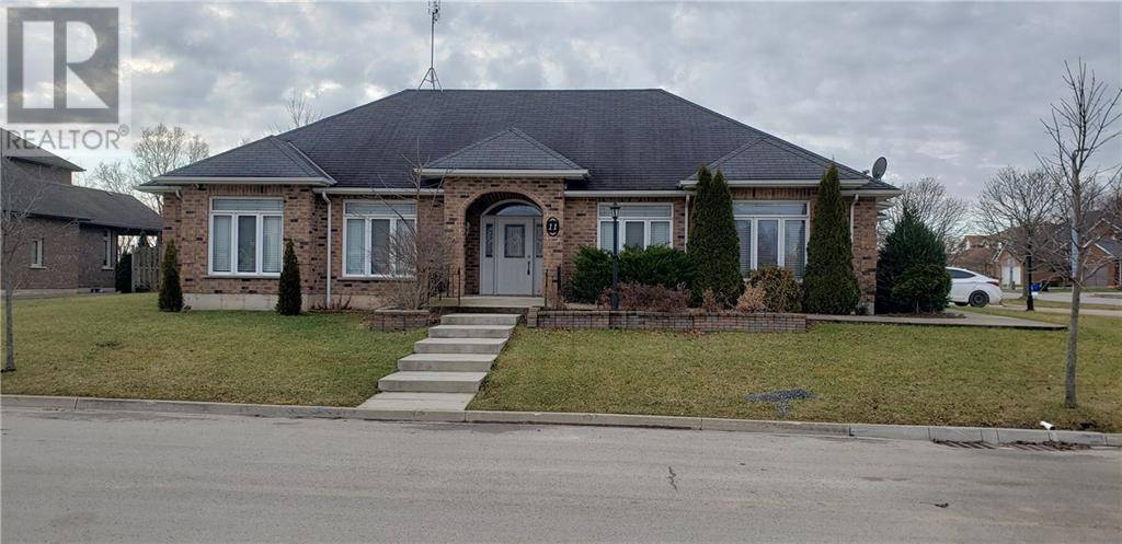 House for sale at 11 Stormm Ct Welland Ontario - MLS: 30784047