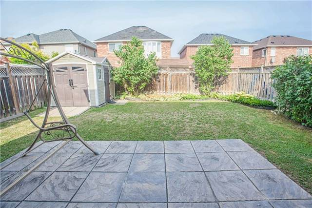 For Sale: 11 Vecchia Street, Markham, ON | 3 Bed, 3 Bath House for $799,000. See 19 photos!