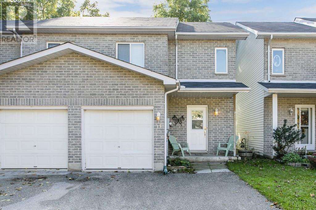 House for sale at 11 Vivian Lane Orillia Ontario - MLS: S4277726