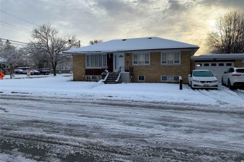 House for sale at 11 Wye Valley Rd Toronto Ontario - MLS: E4997689