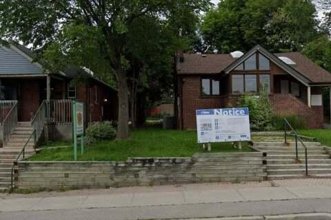110 Sheppard Avenue, Toronto | Image 2