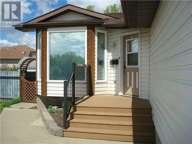 110 - 11416 110 Ave. Cres. Avenue N, Fairview | Image 2