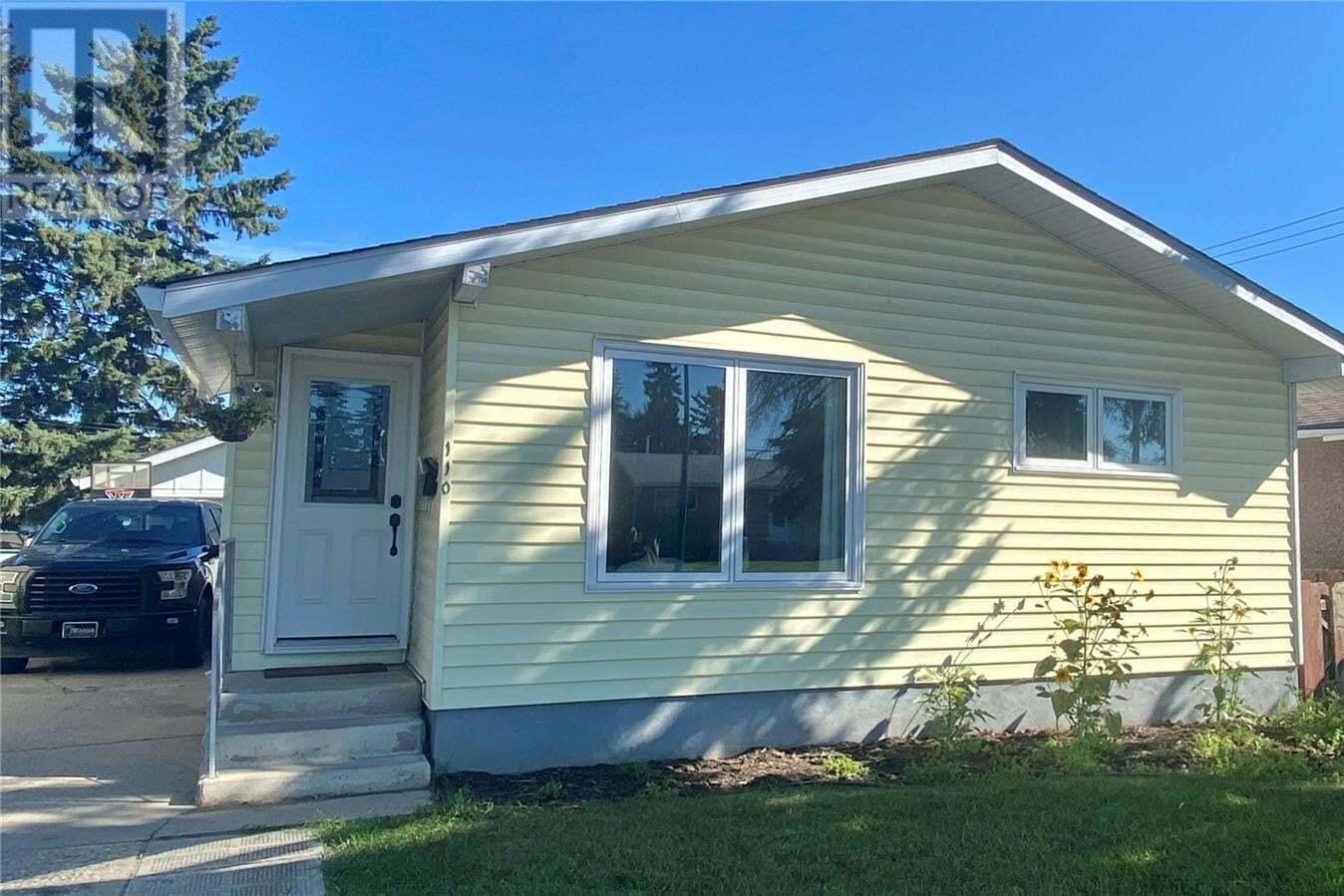 House for sale at 110 31st St W Prince Albert Saskatchewan - MLS: SK819541