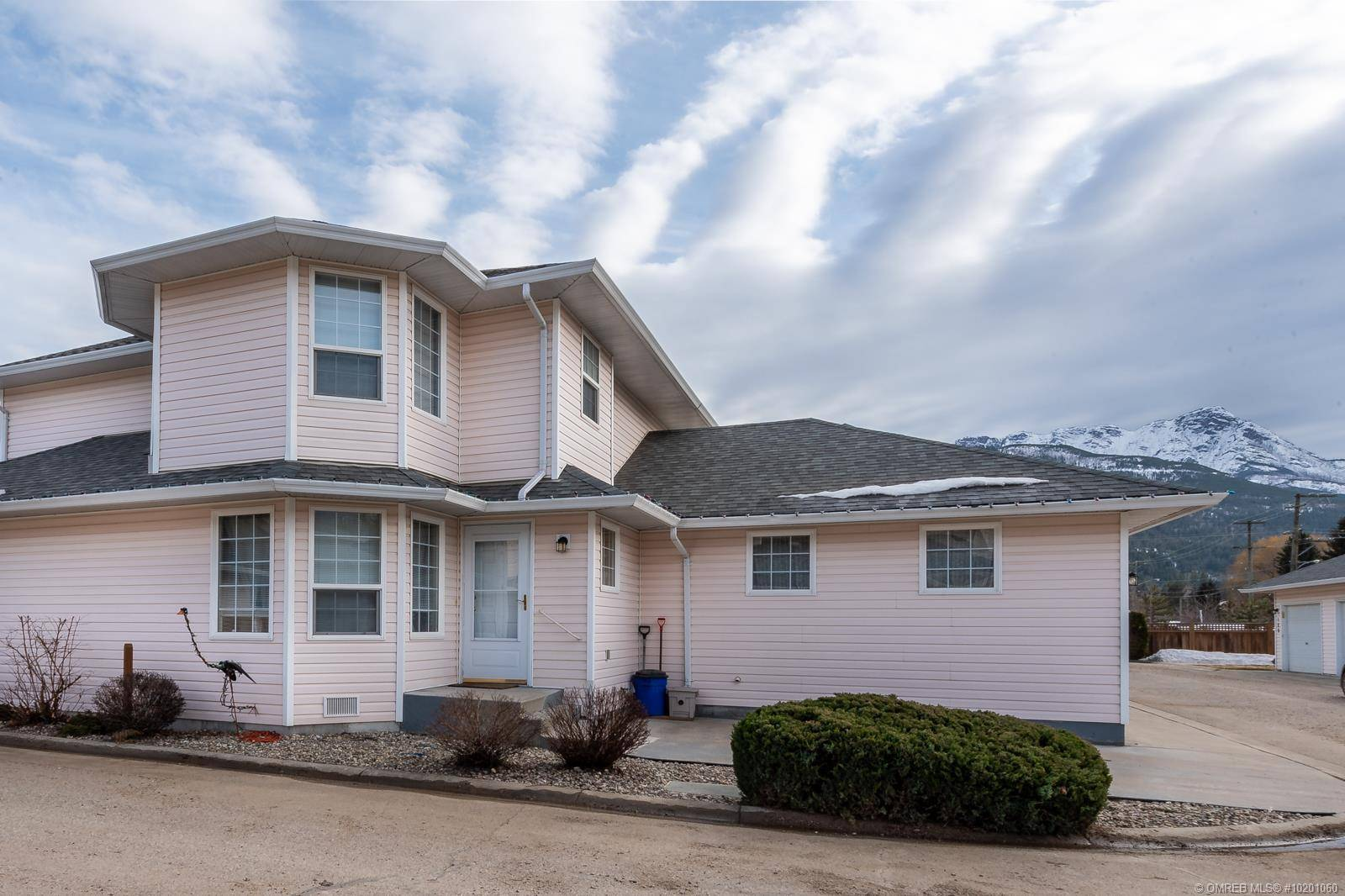 Townhouse for sale at 870 10 St Southwest Unit 110 Salmon Arm British Columbia - MLS: 10201060