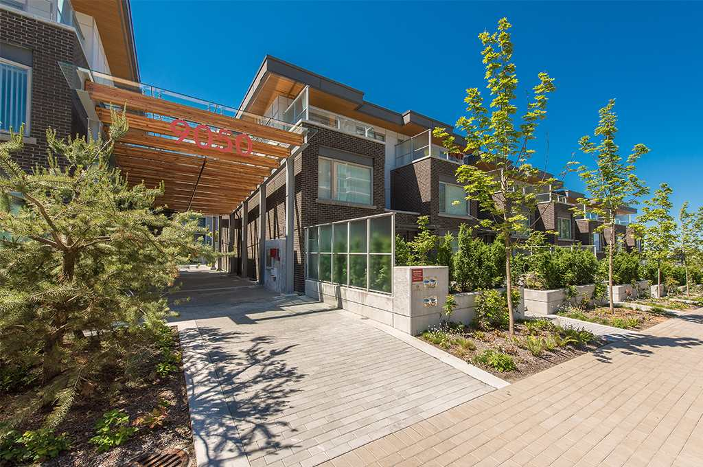 Centreblock Condos: 9050 Highland Court, Burnaby, BC