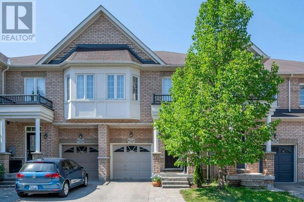 Townhouse for sale at 110 Highland Rd East Kitchener Ontario - MLS: 30826890