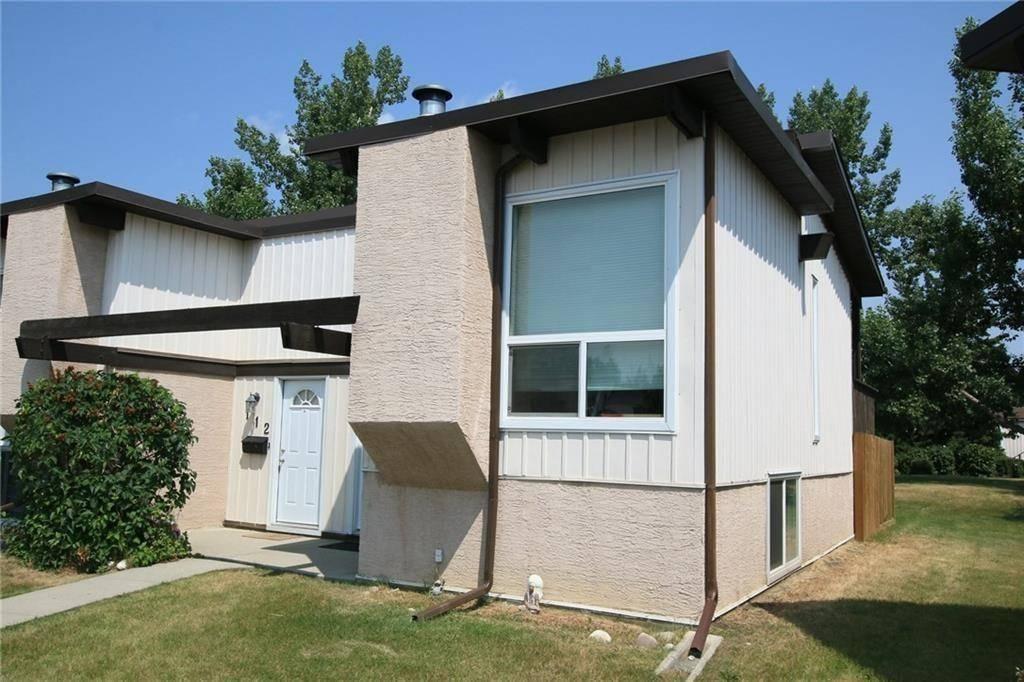 Townhouse for sale at 110 Oaktree Cs Sw Oakridge, Calgary Alberta - MLS: C4255135