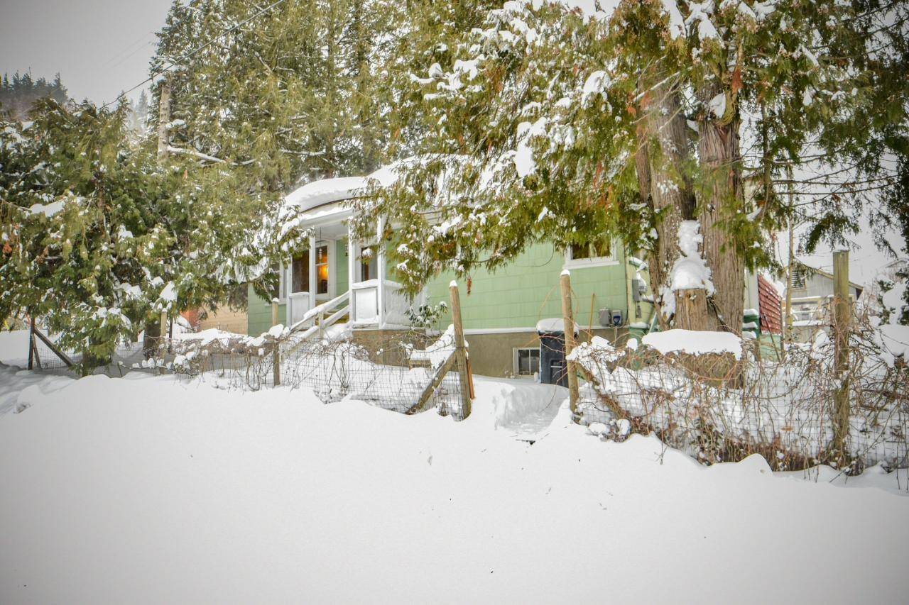 House for sale at 110 Prince Avenue  North Castlegar British Columbia - MLS: 2450089