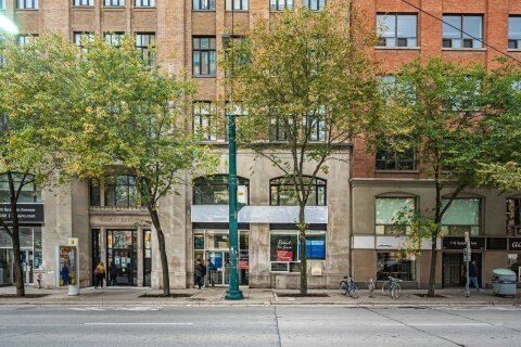 Commercial property for lease at 110 Spadina Ave Toronto Ontario - MLS: C4985167