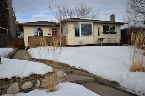 House for sale at 110 Springwood Dr Southwest Calgary Alberta - MLS: C4281733