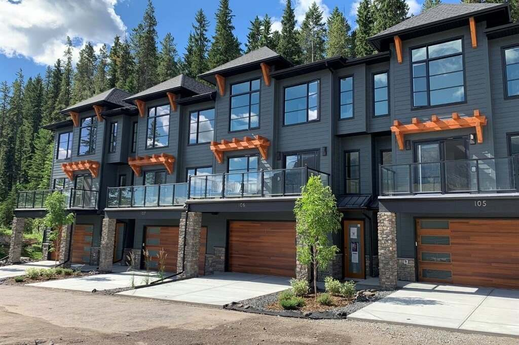 Townhouse for sale at 110 Stewart Creek Landing  Canmore Alberta - MLS: AW51566