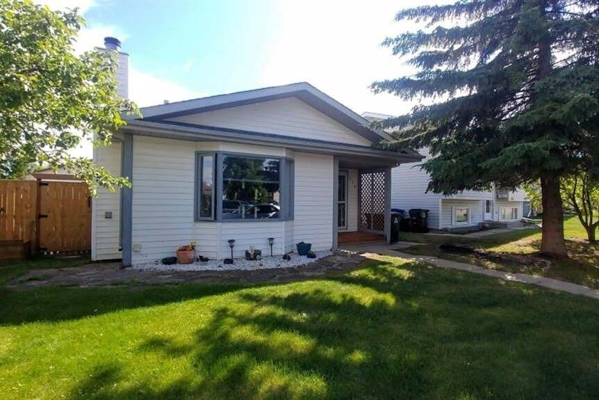 House for sale at 110 Westview Cres Blackfalds Alberta - MLS: A1006966