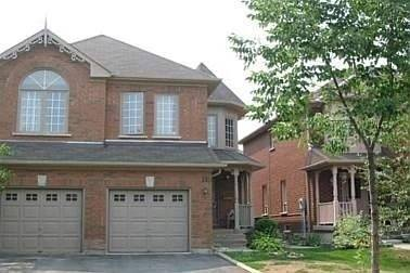 Townhouse for rent at 110 Woodroof Cres Aurora Ontario - MLS: N4459046