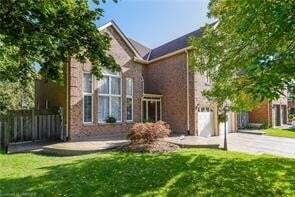 House for sale at 1100 Lansdown Dr Oakville Ontario - MLS: O4926700