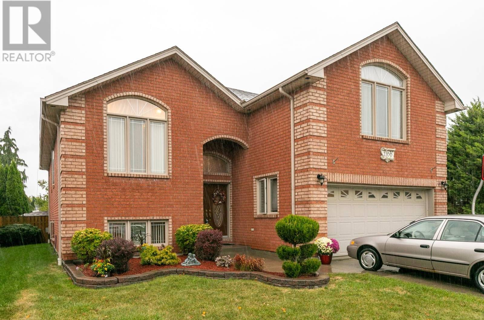 House for sale at 1100 Monarch Meadows Dr Lakeshore Ontario - MLS: 19026178