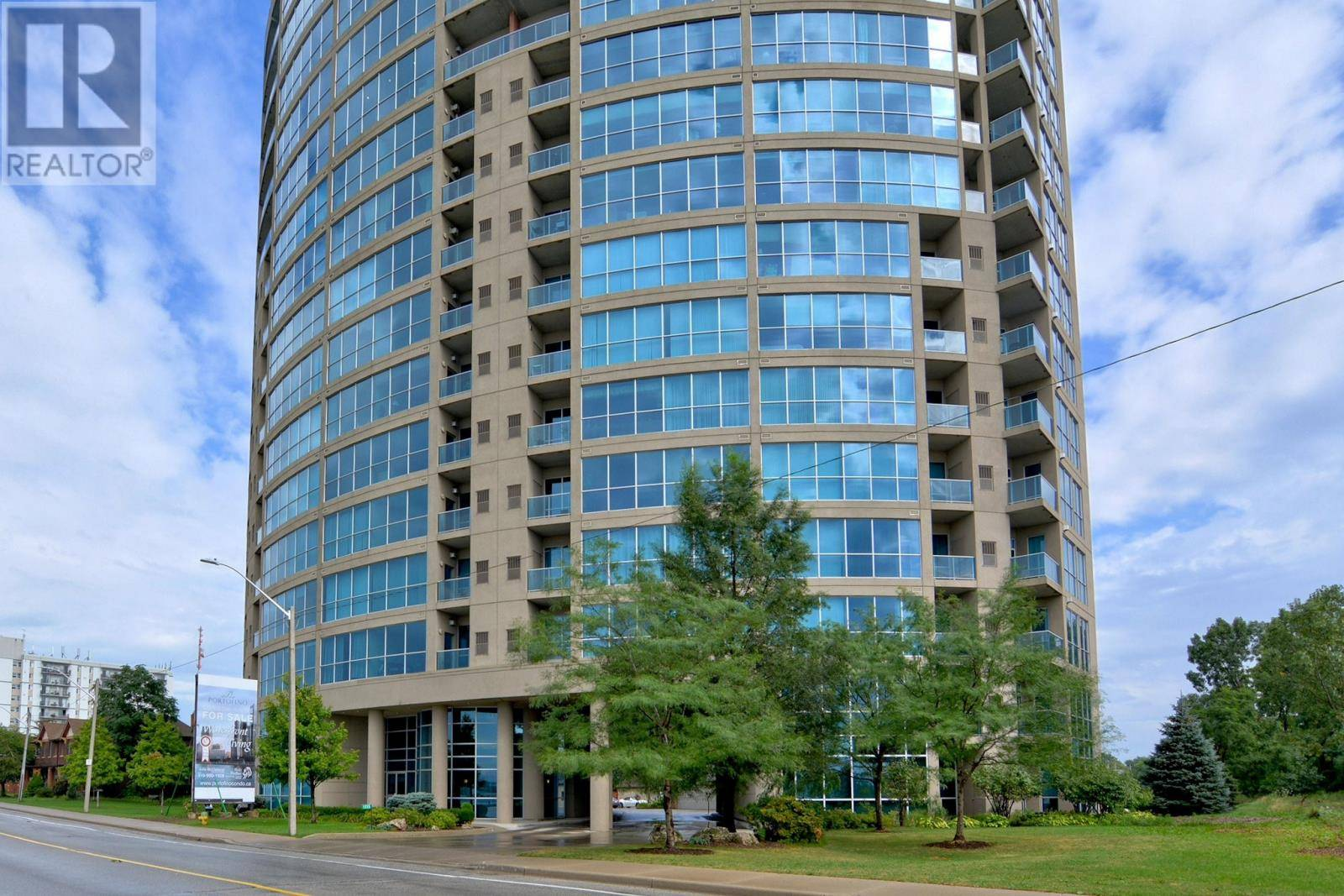 1101 - 1225 Riverside Drive West, Windsor | Image 1
