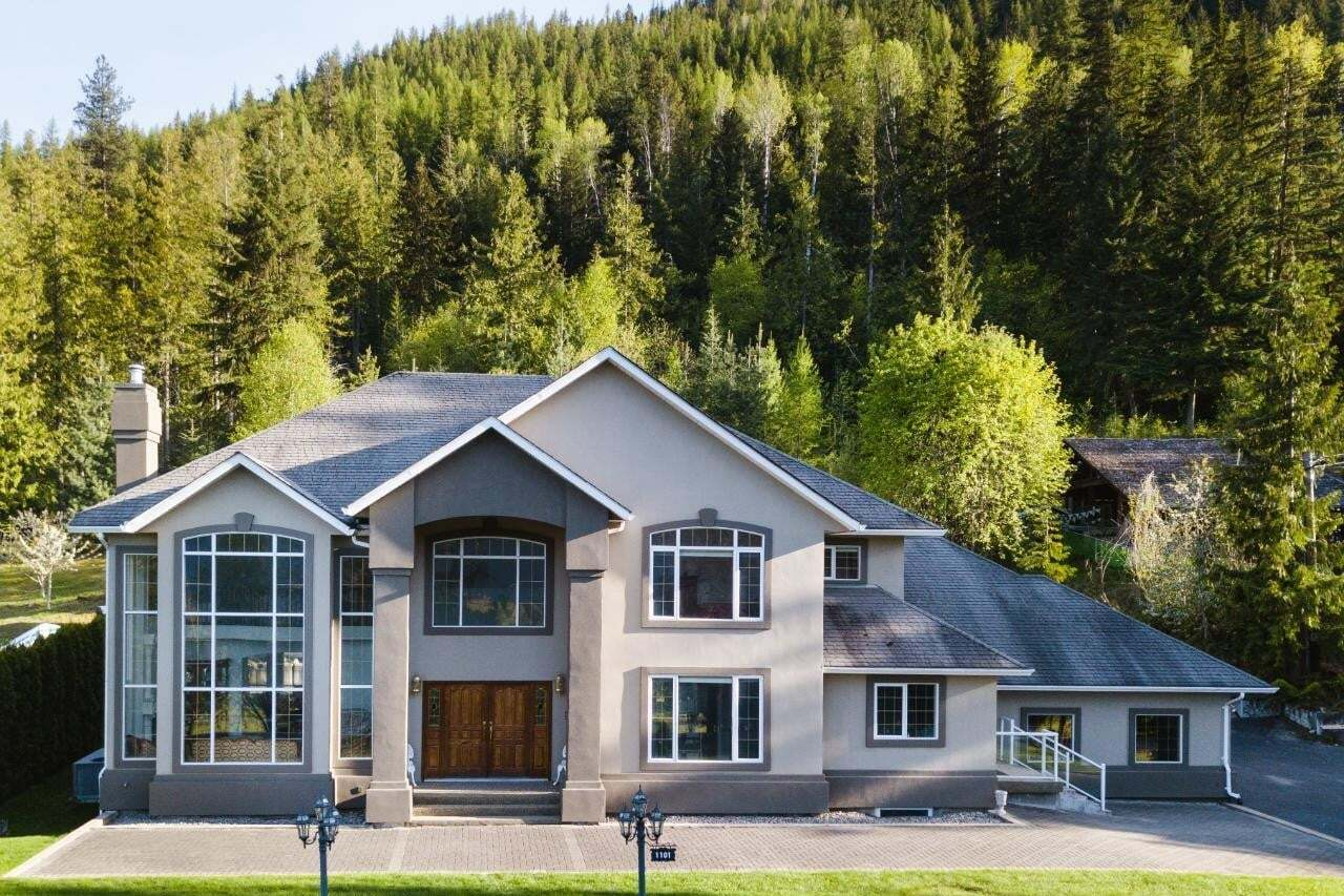 House for sale at 1101 Forin Road  Nelson British Columbia - MLS: 2452038