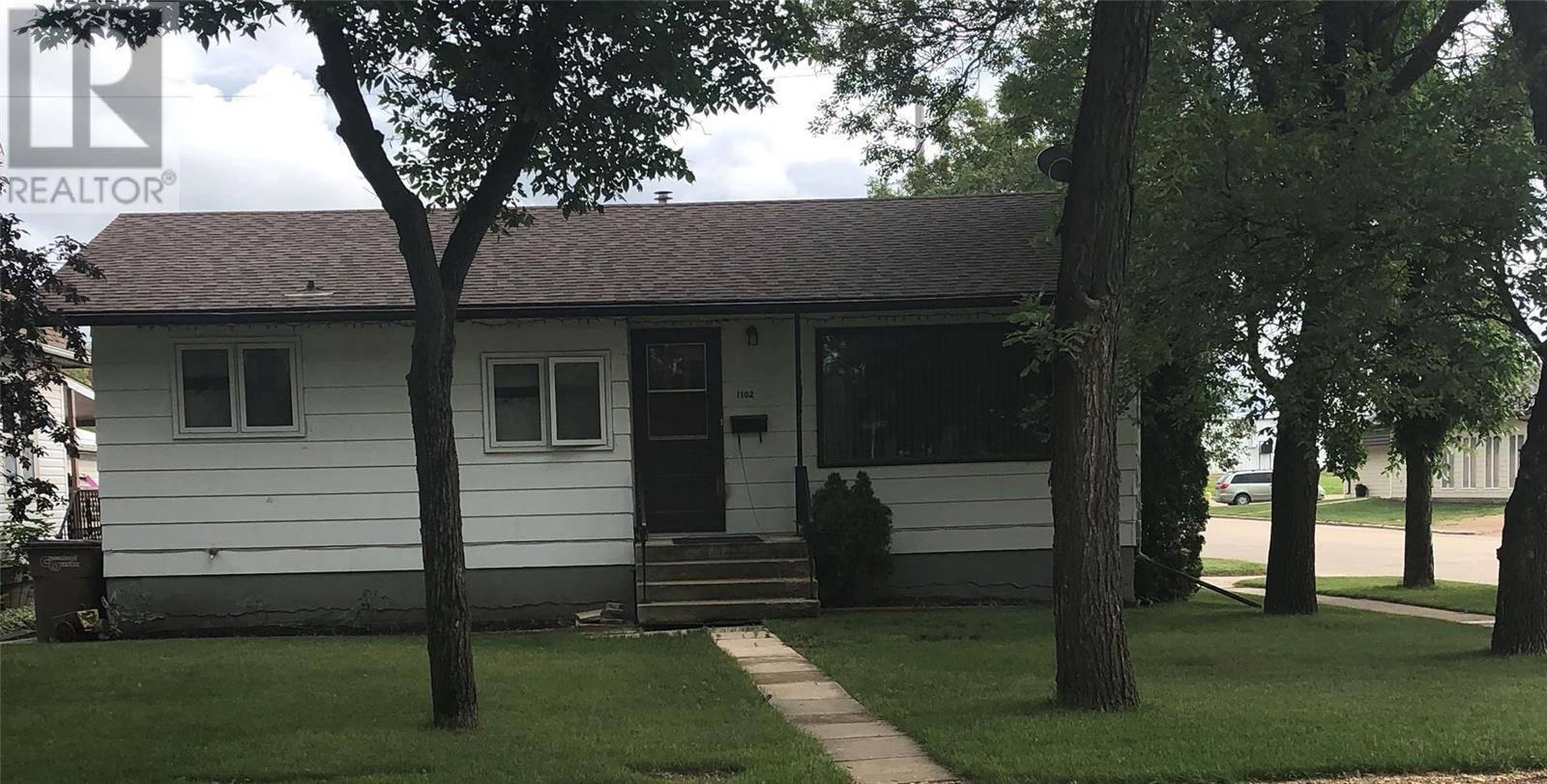 House for sale at 1102 102nd Ave Tisdale Saskatchewan - MLS: SK781392
