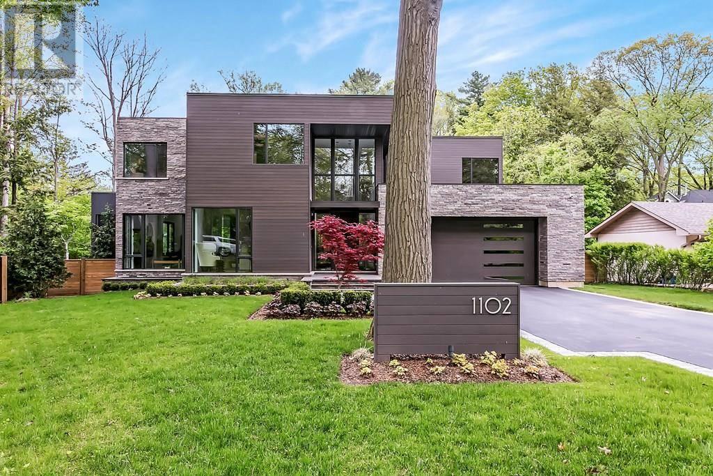 House for sale at 1102 Crestview St Oakville Ontario - MLS: 30738986