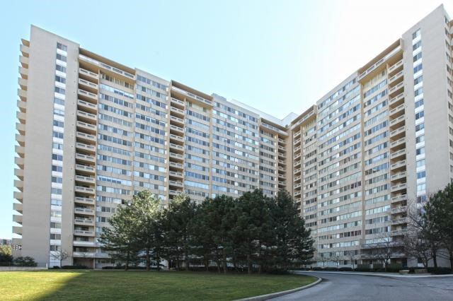 Sold: 1104 - 3590 Kaneff Crescent, Mississauga, ON