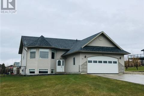 House for sale at 1105 Stacey Dr Beaverlodge Alberta - MLS: GP204229