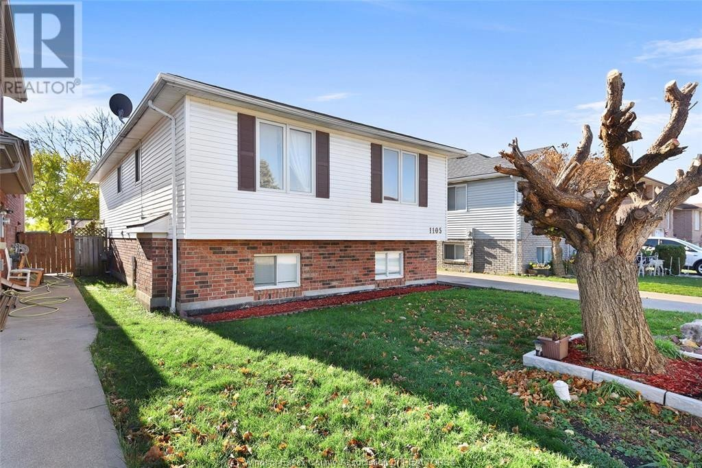 House for sale at 1105 Waverly St Windsor Ontario - MLS: 20015225