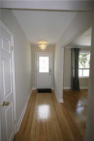For Rent: 1106 Melvin Avenue, Oakville, ON | 3 Bed, 2 Bath House for $3,500. See 20 photos!