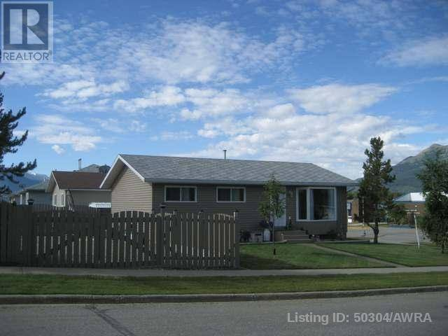 House for sale at 11069 Swann Dr Grande Cache Alberta - MLS: 50304