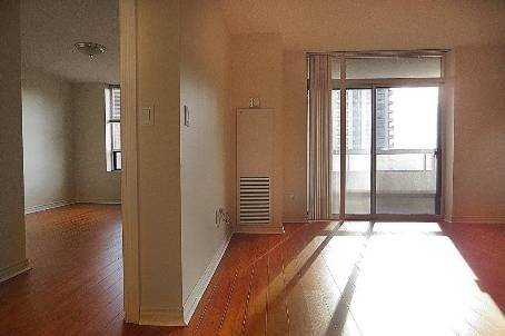 Apartment for rent at 18 Sommerset Wy Unit 1107 Toronto Ontario - MLS: C4600376
