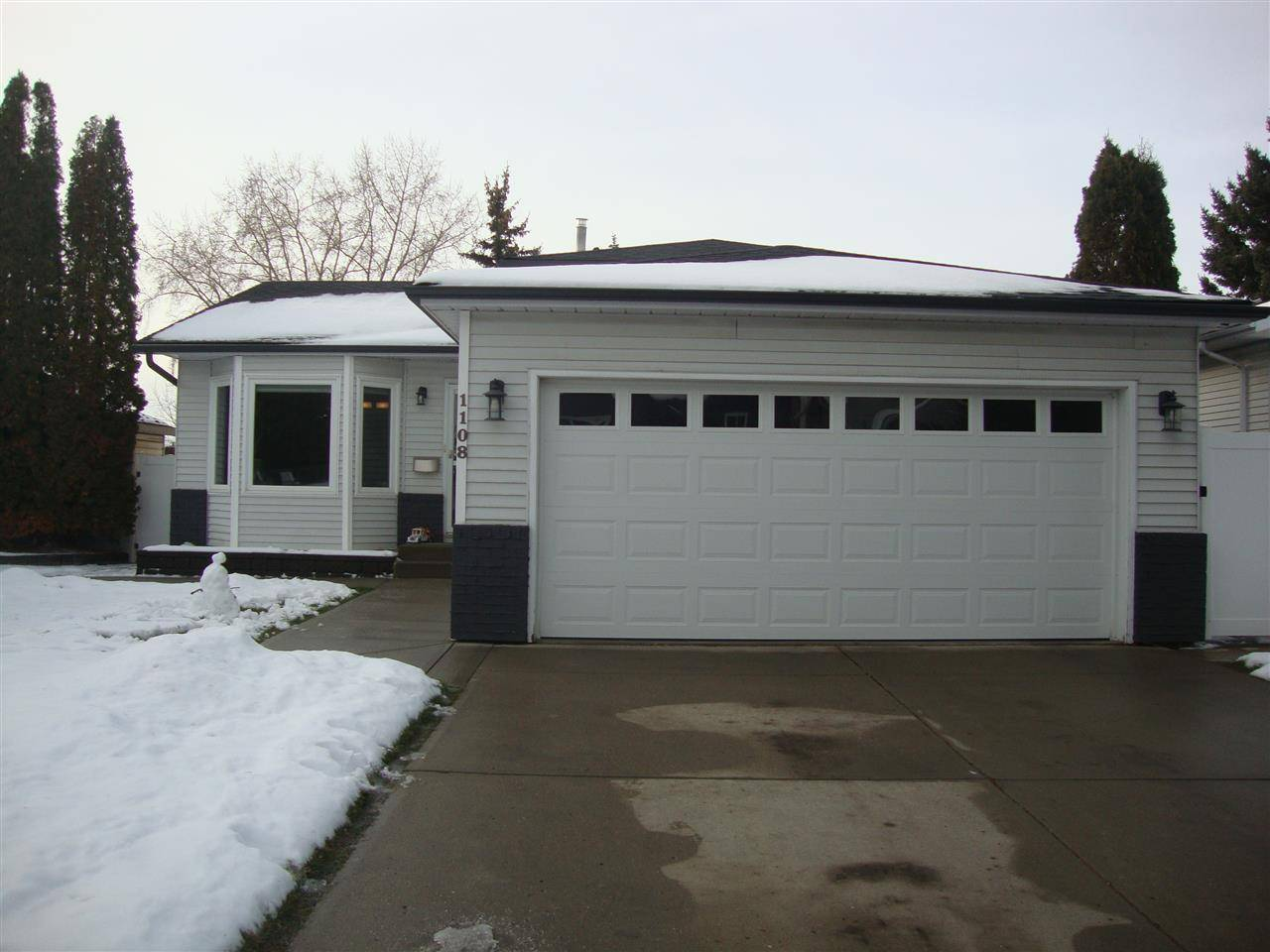 House for sale at 1108 49a St Nw Edmonton Alberta - MLS: E4179937