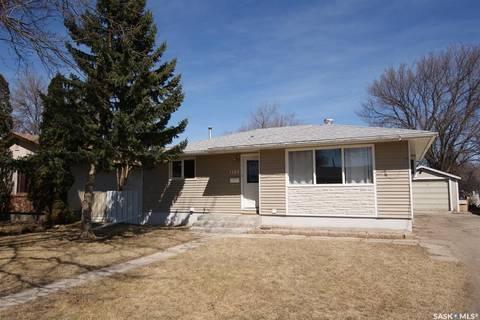 House for sale at 1108 Vaughan St Moose Jaw Saskatchewan - MLS: SK805201
