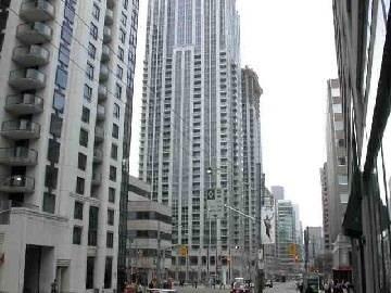 1109 - 763 Bay Street, Toronto | Image 1