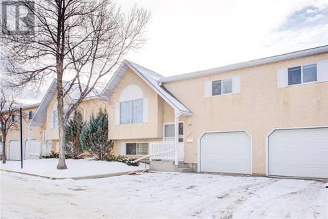 Townhouse for sale at 320 Heritage Cres Unit 111 Saskatoon Saskatchewan - MLS: SK797095