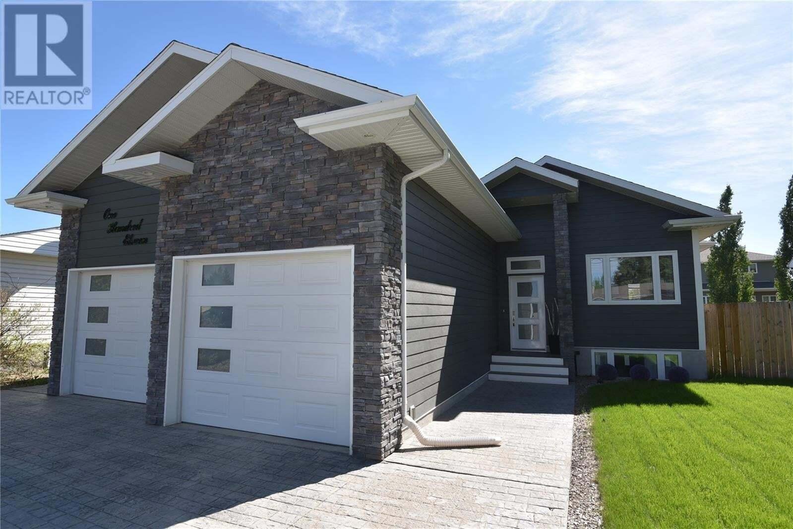 House for sale at 111 6th St E Nipawin Saskatchewan - MLS: SK810557