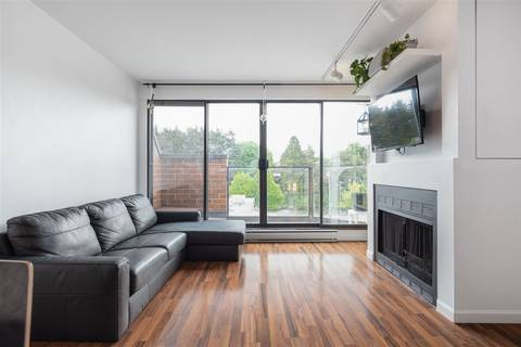 Townhouse for sale at 811 7th Ave W Unit 111 Vancouver British Columbia - MLS: R2453656