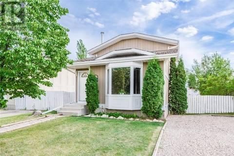 House for sale at 111 Carter Cres Saskatoon Saskatchewan - MLS: SK801341