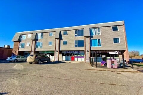 111 Macleod Trail SW, High River | Image 1