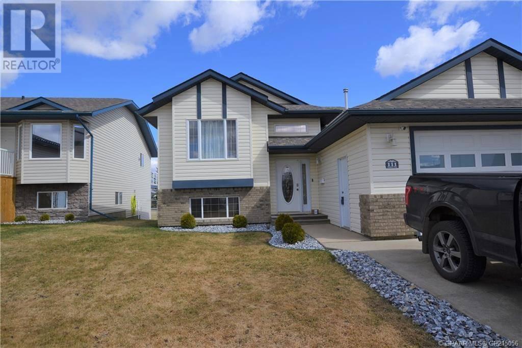 House for sale at 111 Pinnacle Wy Grande Prairie Alberta - MLS: GP215056