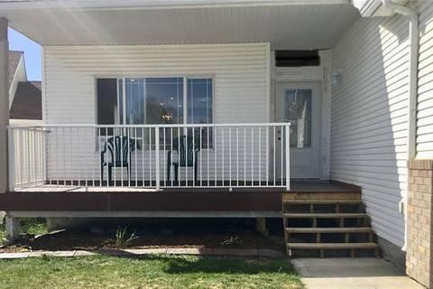 Townhouse for sale at 111 Sandstone Ct Okotoks Alberta - MLS: C4264140