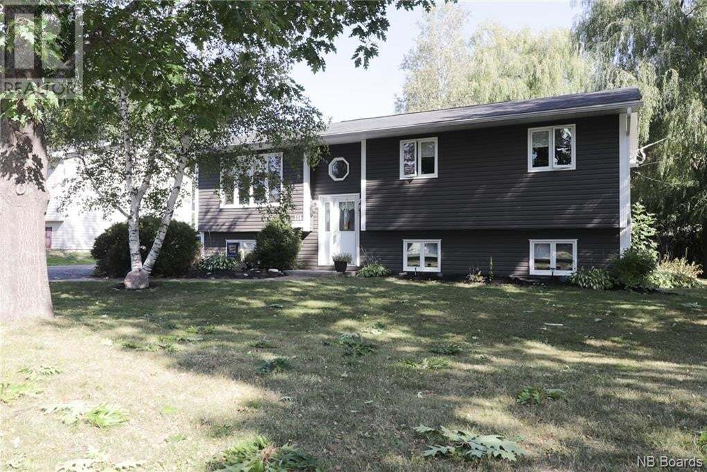 House for sale at 111 Teak Dr Fredericton New Brunswick - MLS: NB049831