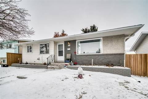 House for sale at 1111 Motherwell Rd Northeast Calgary Alberta - MLS: C4281498