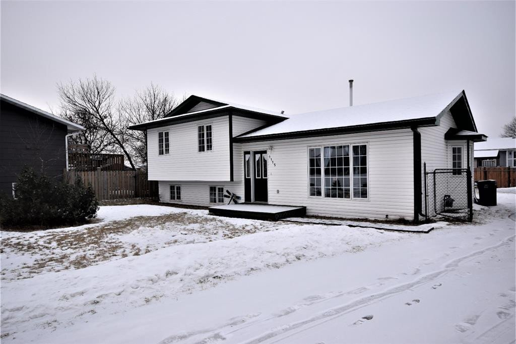 House for sale at 1115 6 Ave West Beaverlodge Alberta - MLS: A1001329