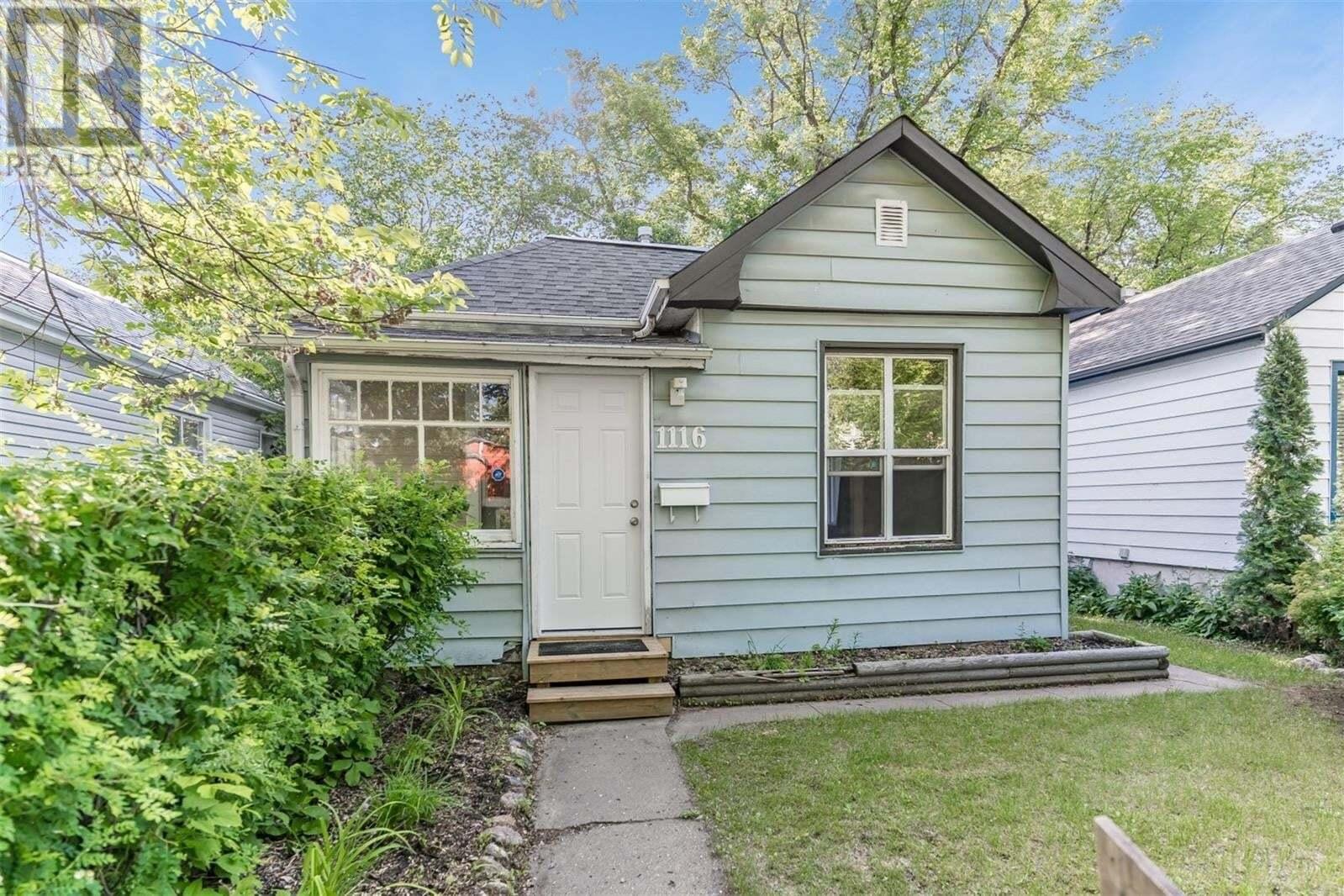 House for sale at 1116 B Ave N Saskatoon Saskatchewan - MLS: SK814460