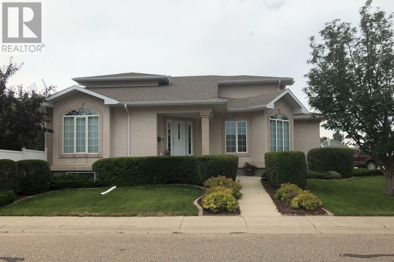 House for sale at 1116 Taisey Cres Estevan Saskatchewan - MLS: SK830968